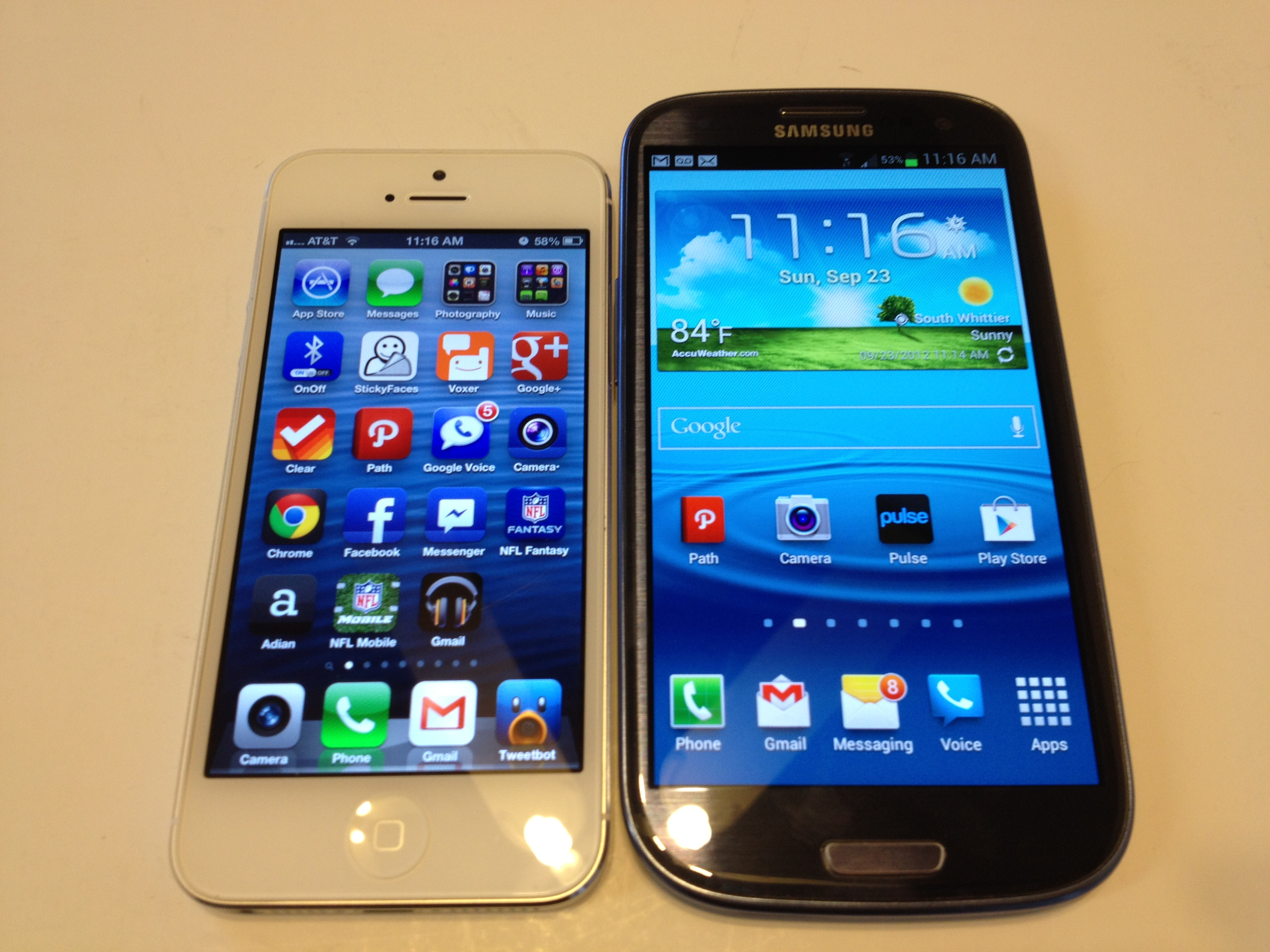 iphone 5 vs galaxy s3 essay Galaxy s vs apple iphone essay samsung galaxy s4 versus apple iphone 5s introduction apple and samsung has been rivals in the mobile industry for years from lawsuits to fanfare to straight up name-calling these two mobile giants have had it out for each other for a while now.
