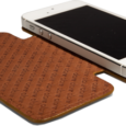 http://www.vajacases.com/iphone-5-leather-cases/nuova-pelle-leather-case