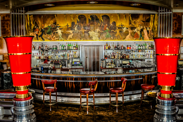 Queen Mary Bar Chris Voss Photography